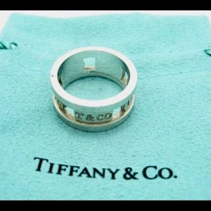 Tiffany&co wide band ring